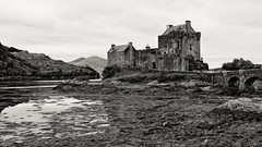 Eilean Donan Castle (Shot Yield Photography) Tags: scotland uk greatbritain british scottish eilean donan castle eileandonancastle medieval premises building architecture historic creepy scary spooky eerie place haunted dark mystic mysterious atmosphere dream like dreamlike picture shot yield foto photo image black white monochrome photography shotyieldphotography