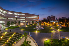 (4) Tags:      500d 1116 tokina library building night veiw taichung photography