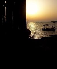 Senza meta (SoleTempesta) Tags: mare sea barca boat soletempesta alba barchetta luce sole sun summer onde meta
