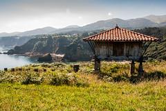 Horreo (Tux9R) Tags: asturias horreo regalina spain espaa costa paisaje landscape acantilados