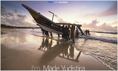 Sharing The Burden (Bali Freelance Photographer) Tags: life people bali nature beauty canon indonesia eos photo foto stock culture daily cultural alam budaya balinese culturalevent myudistira madeyudistira myudistiraphotography