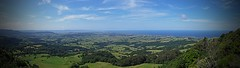 (mblaeck) Tags: lookout view nature kiama saddlebackmountainlookout saddlebackmountain lookingdown looking trees green water sky blue clouds panorama samsung samsunggalaxys5 galaxys5 gs5 samsunggalaxy samsungmobile takenwithphone landscape mobilephonography phonography