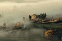 Il silenzio dell'anima (carlo tardani) Tags: panorama landscape colore siena montepulciano toscana nebbia inverno dicembre casolare podere nikond700 bestcapturesaoi elitegalleryaoi casolarenellanebbia panoramanebbioso