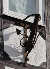 (:Linda:) Tags: germany town village thuringia halftimbered fachwerk flagholder hildburghausen häselrieth