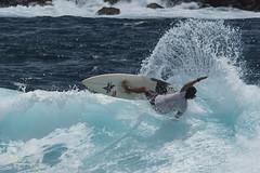 Surfeur  (la Runion) (Many's Eyes) Tags: surfer vague runion