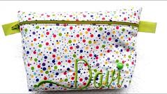 Necessaire... (anadospaninhos@hotmail.com) Tags: artesanato toalha feltro patchwork almofada bordado painis fralda caseado enfeitedenatal caminhodemesa kitdebeb lembranadeaniversrio lembranadebatizado anadospaninhos
