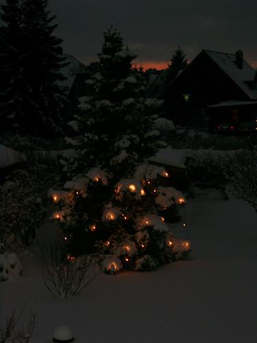 "Winterabend 3 • <a style=""font-size:0.8em;"" href=""http://www.flickr.com/photos/69570948@N04/16452907657/"" target=""_blank"">Auf Flickr ansehen</a>"