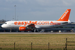 G-EZUG easyJet Moscow A320 Manchester Airport (Vanquish-Photography) Tags: field canon manchester photography eos airport ryan moscow taylor 7d departure takeoff muddy easyjet a320 vanquish gezug