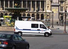 Police Nationale CRS Renault Master (MJ_100) Tags: plaza paris france square cops police renault master obelisk vehicle van placedelaconcorde riotpolice crs emergencyservices emergencyvehicle policenationale personnelcarrier