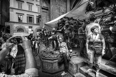 Strade di Firenze 2  (Florence streets 2) (Goethe58) Tags: street blackandwhite italy love blackwhite nikon sigma firenze toscana biancoenero noireetblanc sigma1020 d7100 nikond7100
