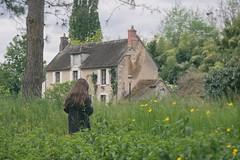 Il tait une fois....  (Once...) (l'imagerie potique) Tags: limageriepotique poeticimagery zia fille girl fairytale comptedefe cottage france