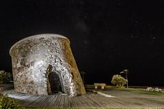Torre Dobl (Sinkaaa) Tags: noche flash photography fantasma night torre mar estrellas cielo summer legend light darkness stars