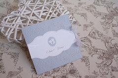 Partecipazioni Cameo Vintage (CartaForbiciGatto) Tags: partecipazioni cameo vintage grigio crema rilievo antiche matrimonio nozze inviti wedding invitations grey gray cream white emboss