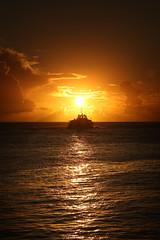 Schiff bei Sonnenuntergang (FotoDB.de) Tags: malediven meer ozean sonne sonnenaufgang sonnenuntergang strand sdsee traumreise