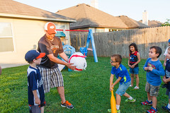 16-013-0087.jpg (Nate Griffin) Tags: birthdayparty carter dustin miles ourhome pflugerville