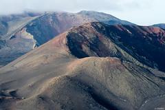 Lanzarote - Caldera Roja -1- (jf garbez) Tags: espaa volcano spain nikon europa europe lanzarote canarias crater nikkor 70300mm espagne canaryislands nationalgeographic volcan d600 cratre volcanism volcanisme tinajo parquenacionaldetimanfaya nikond600 lescanaries nikonpassion lescanaries parquenaturaldelosvolcanes nikkor7003000mmf4556 crterdetimanfaya parquenaturallosvolcanes picodelfuego calderaroja