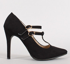"double t strap pointy toe pump blk • <a style=""font-size:0.8em;"" href=""http://www.flickr.com/photos/64360322@N06/15731612423/"" target=""_blank"">View on Flickr</a>"