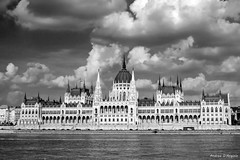 Budapest - Il Parlamento (Darea62) Tags: budapest river clouds city parliament architecture art monument town danube