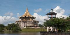 Parlement (Wagler's Pit) Tags: water river construction eau southeastasia wasser sarawak malaysia borneo fluss kuching fleuve edifice asiedusudest