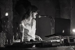 Lezbična četrt 2014; Koncert Junes Helen; Pritličje