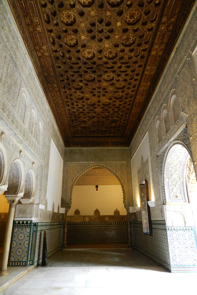 The world 39 s best photos of alcazar and artesonado flickr for Cuarto real alcazar sevilla