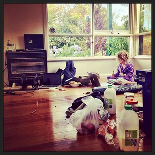 027/365 • we have until 4pm - eight hours - this is hideous • #027_2015 #movingout #zerodaystogo #mess #moremess #morningtonpeninsula #omg #ineedamagicspell