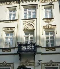 Haydn and Hndel above the windows... (elinor04 thanks for 20,000,000+ views!) Tags: city windows musician building architecture iron head balcony budapest decoration style inner architect hexagram memory castiron jewish utca ironwork 1855 haydn starofdavid mascarons hold hndel brein josephhaydn georgfriedrichhndel holdutca romanticgothicre
