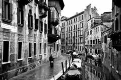 Il fascino del vagare (encantadissima) Tags: calle nikon venezia veneto bienne d7000 sestierdesanpolo fondamentadelesechere