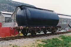 19900505 103 Fishguard Harbour. PO Private Owner TEXACO 46T Class A Tank, TEX 84808 (15038) Tags: wagon br trains goods po texaco railways freight britishrail fishguardharbour privateowner classatank tex84808