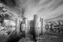 Bodiam Castle - Infrared (Yo Gladman) Tags: blackwhite infrared longexposure 10stopfilter nikon castle nationaltrust