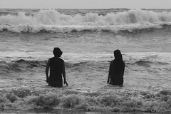 (zahidrehman) Tags: sea couple love landscape wave moment 2016 bangladesh coxsbazar