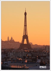 Good morning Paris (Philippe Cottier (PH.C)) Tags: paris toureiffel eiffeltower effe france francia montmartre cityscape capitale urban landscape europe parigi leverdesoleil aube sunrise eiffelturm