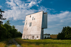 Drive In (mgtm) Tags: ontario abandoned architecture vintage retro summer2013