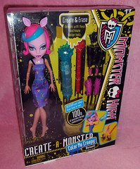 CAM-Color-me-creepy-werewolf-boxed-front (Margarit's Dolls) Tags: pink original hot cold color art me water monster werewolf design high doll box cam front creepy boxart create boxed mattel cmc monsterhigh