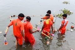 Kanwaria pilgrims, Ganga river, Varanasi, India