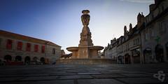 Fontaine des eaux d'Arcier (Stphane Gavoye) Tags: france franchecomt lieux besanon nd400 placedelarvolution etiquettesdemotsclsimportes fontainedeseauxdarcier