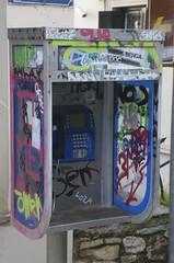 colourful call (René Mouton) Tags: street grafitti telephone hellas athens greece athene telefoon athina straat ellas griekenland ελλάδα αθήνα ελληνικήδημοκρατία ελλάσ 101pics201518 18communications