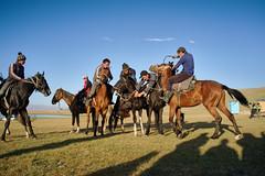 Buzkashi (e-Shard) Tags: road travel viaje horses horse caballo caballos asia fuji silk journey silkroad fujifilm centralasia kyrgyzstan seda cavall cavalls naryn ulaktartish exussr songkl kokpar viatje sonkul excccp  rutaseda fujifilmx  darktable fujifilmx100 fossphotography linuxphotographer freesoftwareedit ulaktyrtysh kkber kukpari ossphotography