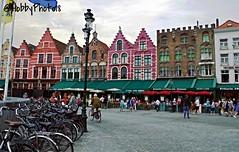La grand-place - Bruges (hobbyphoto18) Tags: people color architecture belgium belgique grandplace pentax bruges extrieur personne couleur grotemarkt k50 pentaxk50