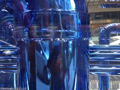 Tuyau chrome bleu. (alexandrarougeron) Tags: tuyau bleu mtal reflet paris style design