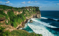 Uluwatu Temple (deshawntoh) Tags: uluwatu bali temple cliff south east asia indonesia landscape seascape coast