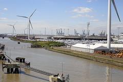 River Thames, London Cruise Terminal, Tilbury (x70tjw) Tags: tilbury london thames cruiseterminal river