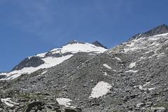 Aneto Peak (AeRoWings) Tags: espaa naturaleza mountain nature spain huesca pico alpinismo montaa bautista pyrenees pirineos alpinism aragn aneto maladeta davidbautista aigallut