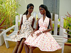 Twins (Deejay Bafaroy) Tags: fashion royalty fr integrity toys jason wu gloss convention 2014 le smoking adele makeda doll dolls puppe puppen barbie twins zwillinge black schwarz portrait porträt summer dress sommer kleid sommerkleid fr2
