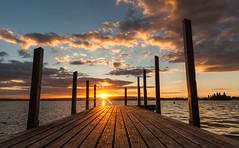 Sunset (He_Da) Tags: zug zugersee lakezug lake landingstage bootssteg clouds wolken sunset sonnenuntergang sun sonne afterglow abendrot eveningmood abendstimmung