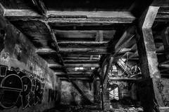 La fabrique...niveau1 (vedebe) Tags: noiretblanc netb nb bw monochrome abandonn usine usinedsaffecte urbain urbex street rue ville city architecture