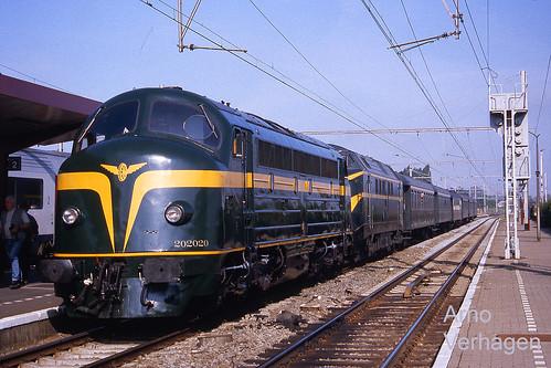 2001. TSP 202.020 en 6077 te Landen