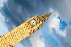 Big Ben (Maria Galetta) Tags: london londra bigben cloudy sky nuvoloso cielo architecture architektur architettura clock tower westminster