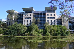 UQ General Purpose South Building (vill3r) Tags: uq itee gpsouth jacaranda lake