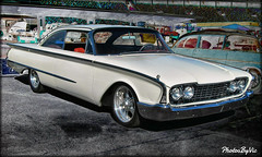 '60 Ford Starliner (Photos By Vic) Tags: old white classic ford car vintage automobile antique vehicle custom 60 carshow starliner 1960